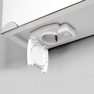 Riva vonios kambario baldai, veidrodinė spintelė, su durelėm, halogeniniu apšvietimu, kištukiniu lizdu, SV45DZ-H
